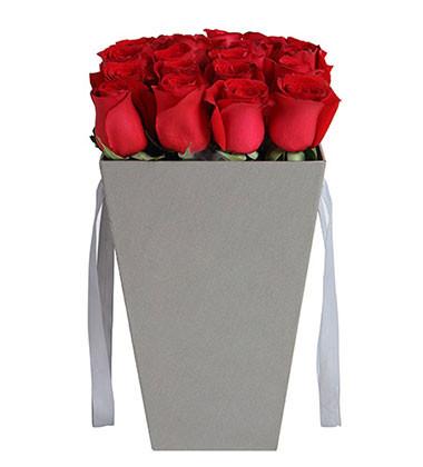 上海-19枝红玫瑰花...